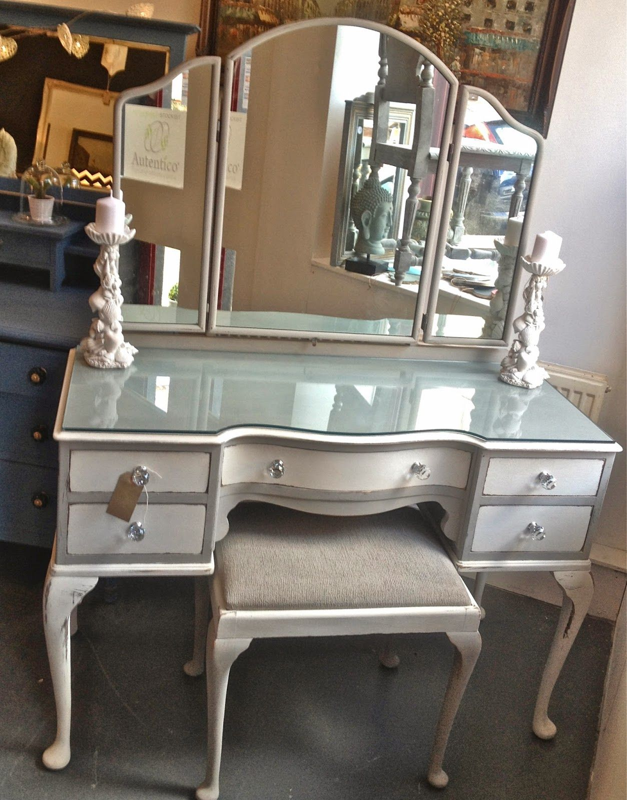 Chouchou Chateau: Queen Anne Dressing Table and Stool ...