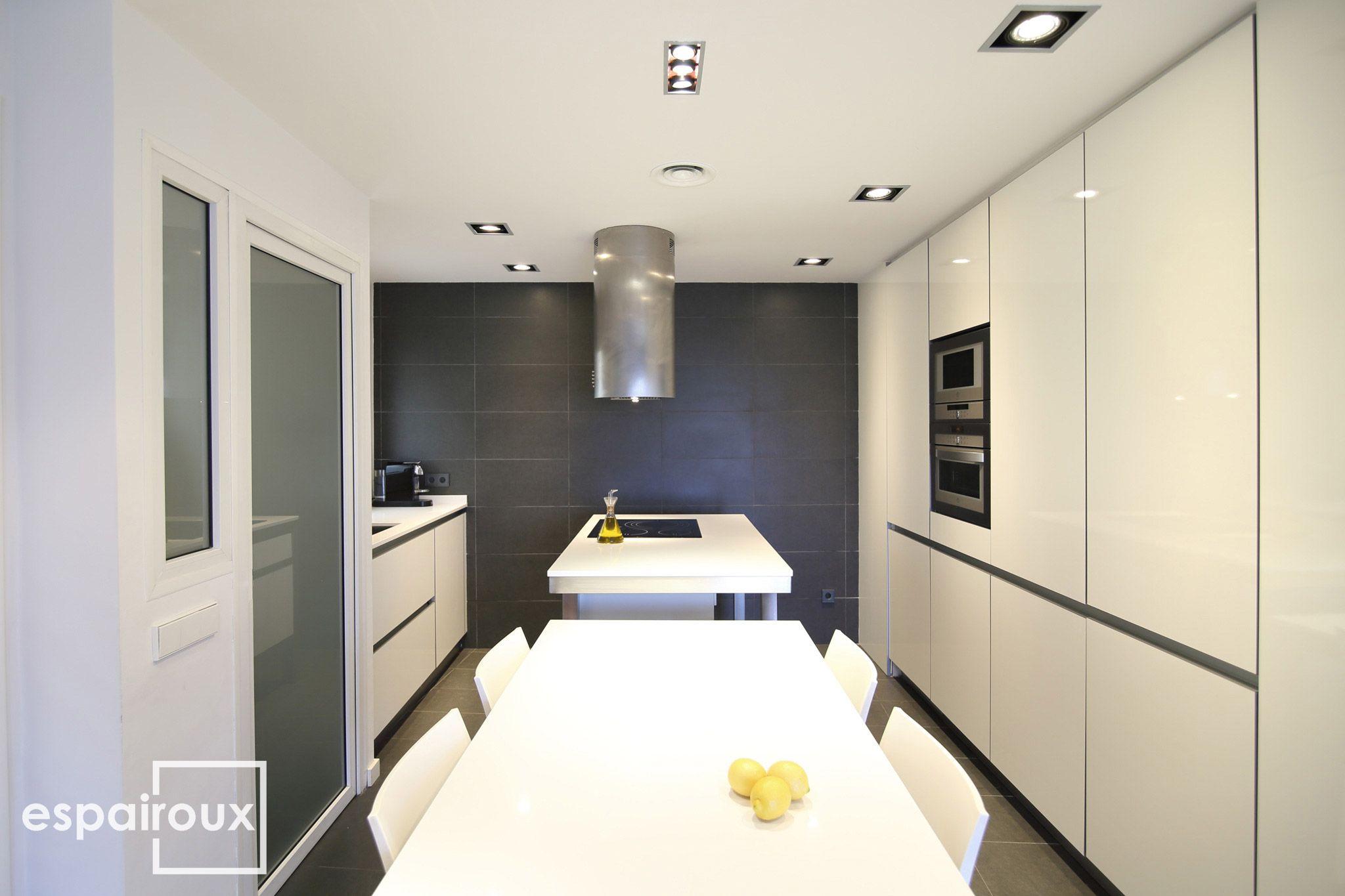 Cocina Reforma Interior De Una Vivienda En Poblenou Barcelona  # Muebles Blanco Poblenou