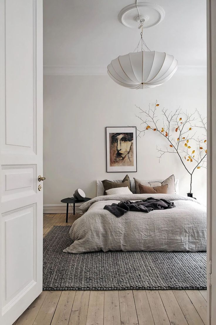 Photo of Bright bedroom with warm accents – COCO LAPINE DESIGN