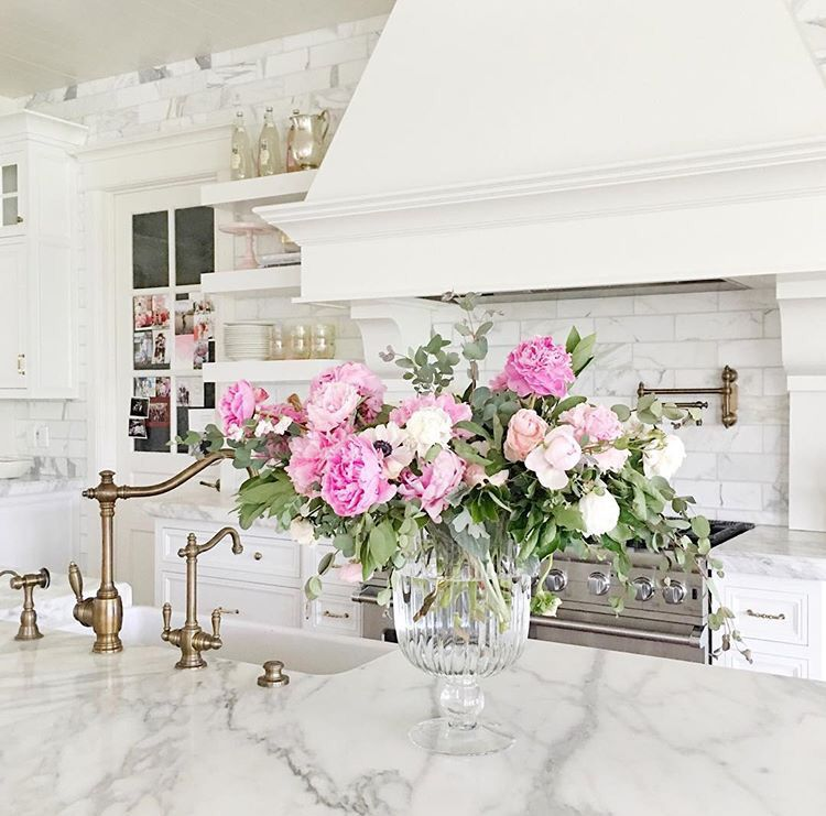 pink peonies #kitchens