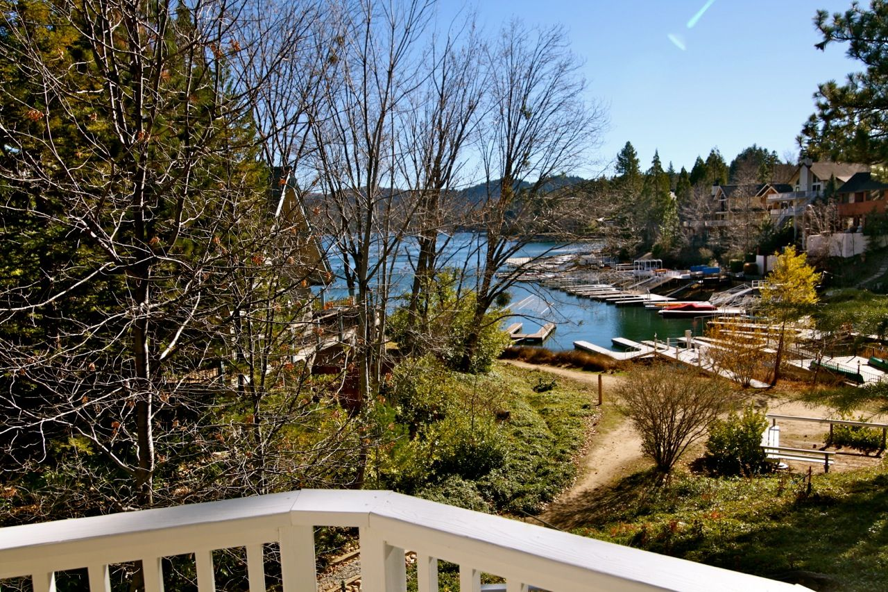 WANT THIS PLACE!!! North Bay Lakefront Lodge Lake