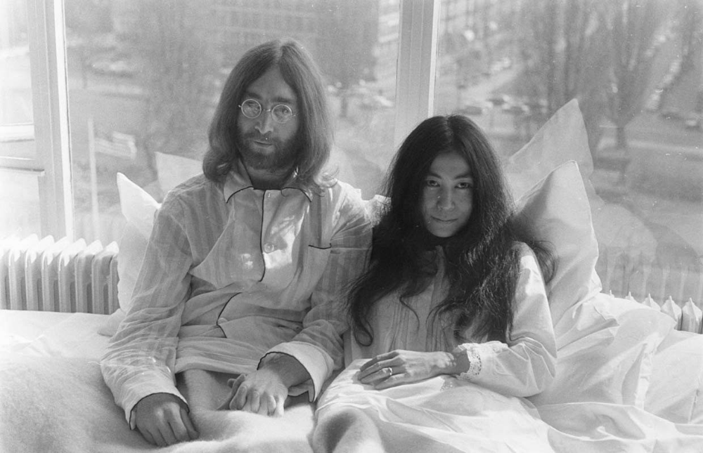 Famous Couples In Bed Photography Google Search John Lennon And Yoko John Lennon Yoko Ono John Lennon
