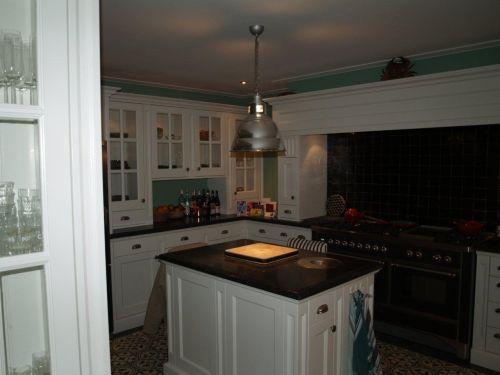 Witte landelijk klassieke keuken met 1 5m boretti fornuis