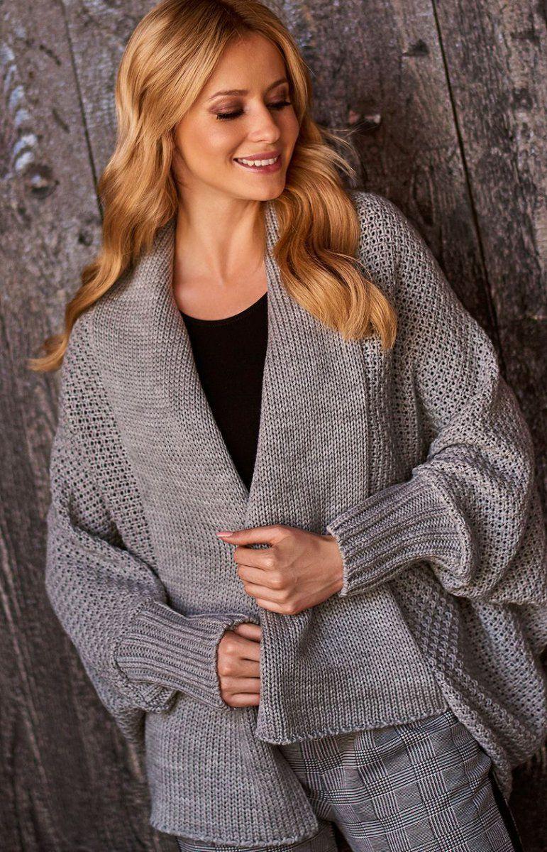 451f103a627550 Makadamia S72 sweter szary Wygodny sweter damski wykonany z miękkiej  sweterkowej dzianiny, luźny fason świetnie