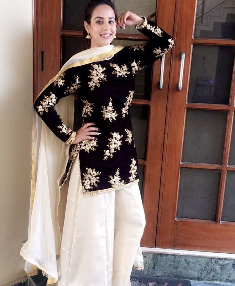 6a153e4018 Pinterest: @pawank90 | Sharara and Palazzo | Dresses, Pakistani ...