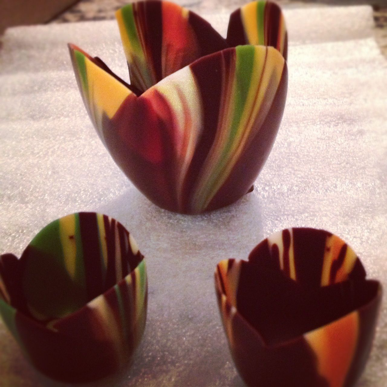 Artful chocolate dessert cups!   La maison   Pinterest