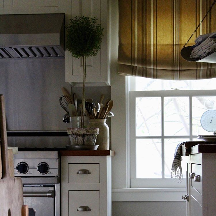 You All Seem To Love My Back Porch Pics All I Can See Is A Porch That Needs Painting Hopefully This S Cozy Cottage Kitchen New England Homes Cottage Kitchens