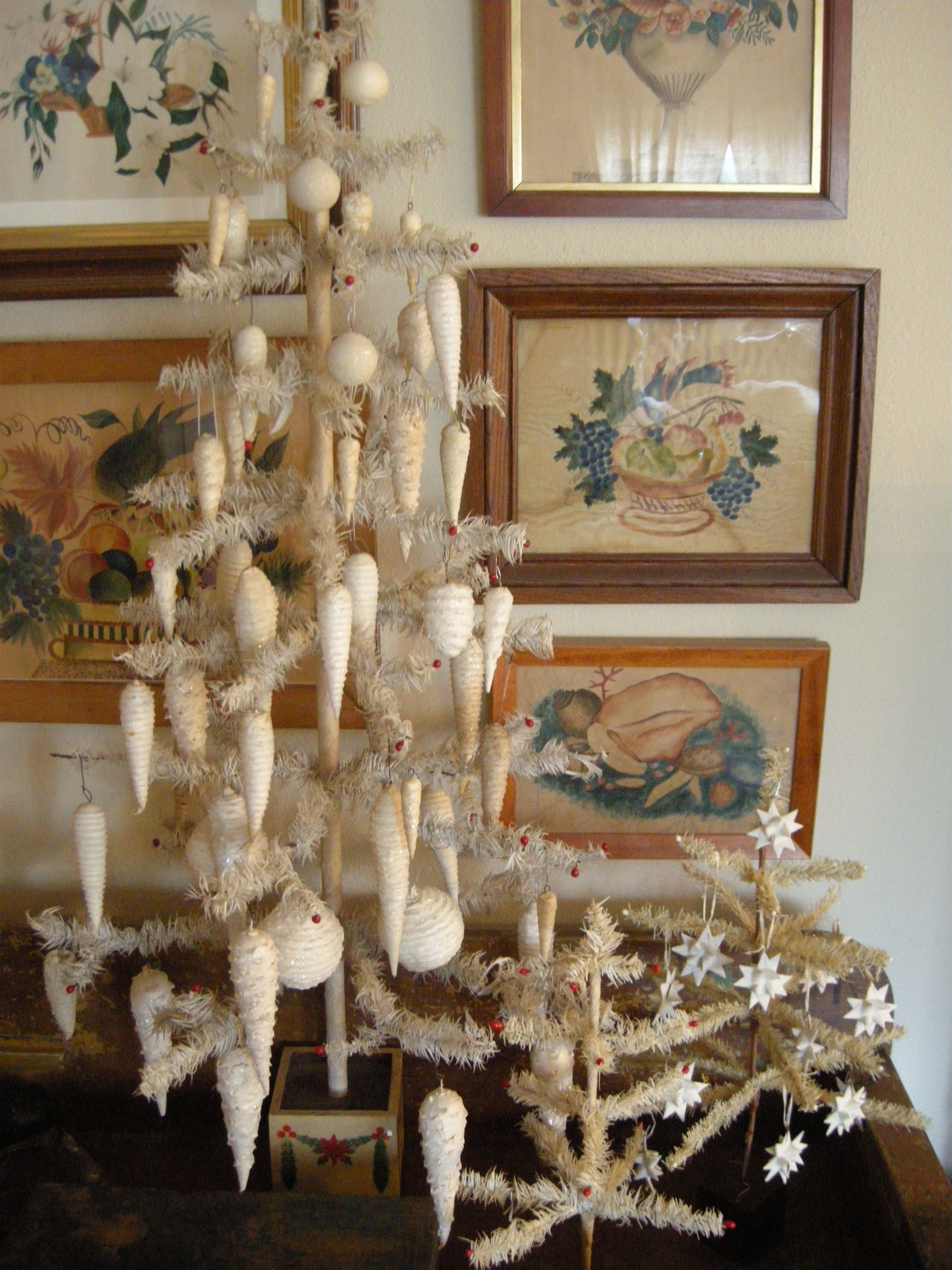 White Feather Trees With Spun Cotton Icicle And Snowball Ornaments