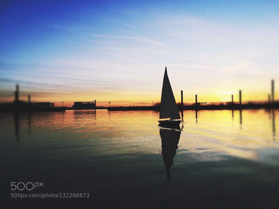 winter sail by dellajam