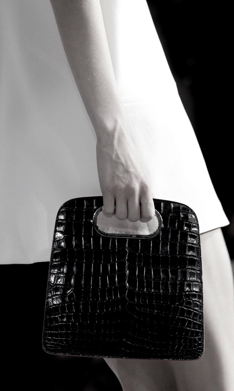 Giambattista Valli Spring 2016 Ready-to-Wear Fashion Show Details - Vogue