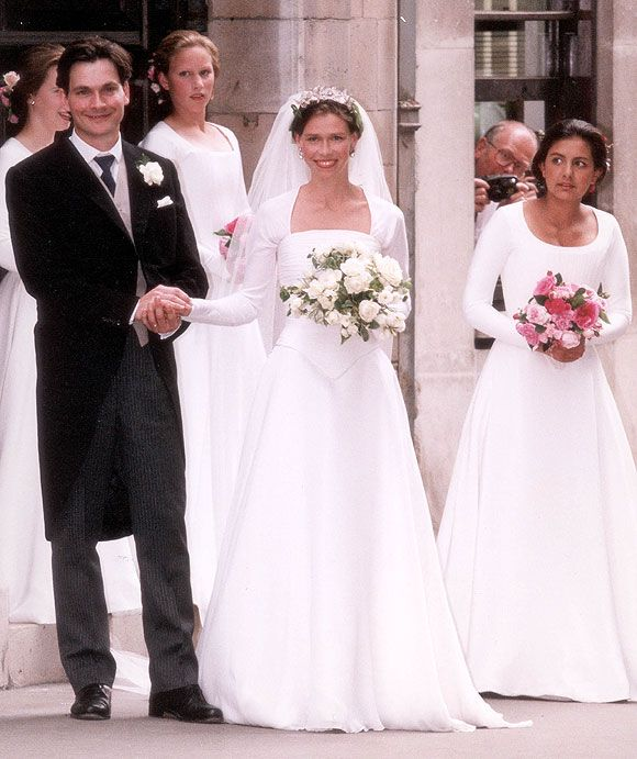 Simple Wedding Family Pictures: The 1994 Wedding Of Princess Margaret's Daughter Sarah To