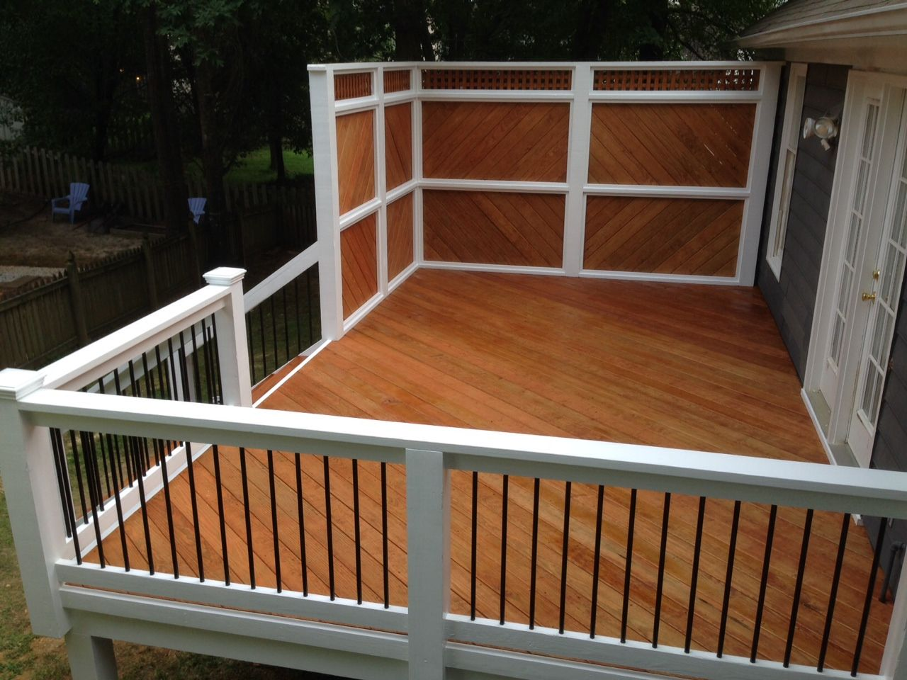 New Deck With Metal Railing And Privacy Screen Deck Privacy