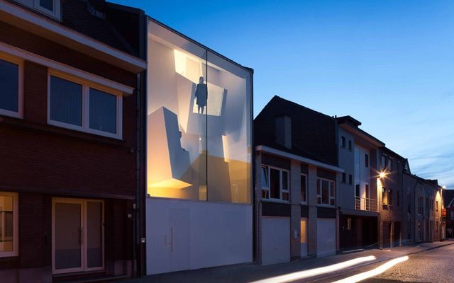 Nice Squeezed Contemporary House With Glass Facade In Belgium Awesome Design