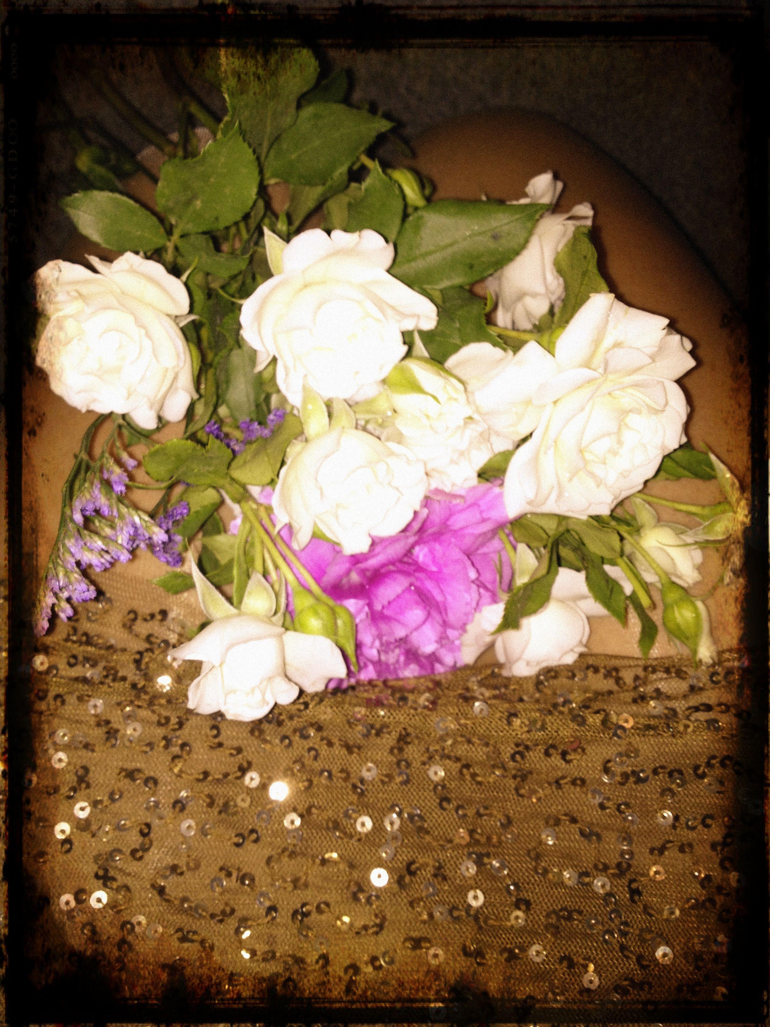 Flores y lentejuelas!