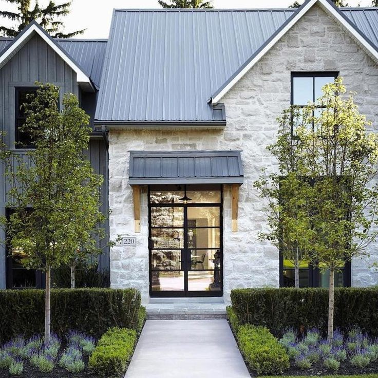 29++ White farmhouse with stone inspiration