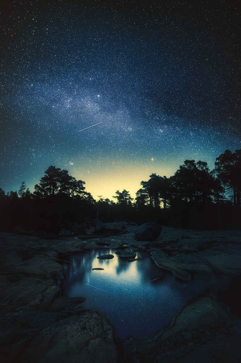 Stunning Photos Taken At Dusk Capture Finland S Majestic Landscapes Nature Photography Beautiful Landscapes Night Skies