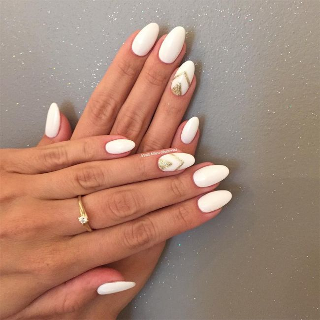 gold-and-white-almond-shaped-nail-designs - Gold-and-white-almond-shaped-nail-designs Nail Art Pinterest