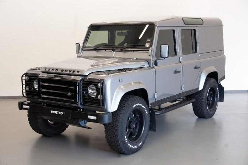 TWISTED ULTIMATE 110 UTE 3.2 We love our Defenders here at Twisted! More photos and specific details on our website! Posted April 2015. #TwistedAutomotive #TwistedUK #Defender