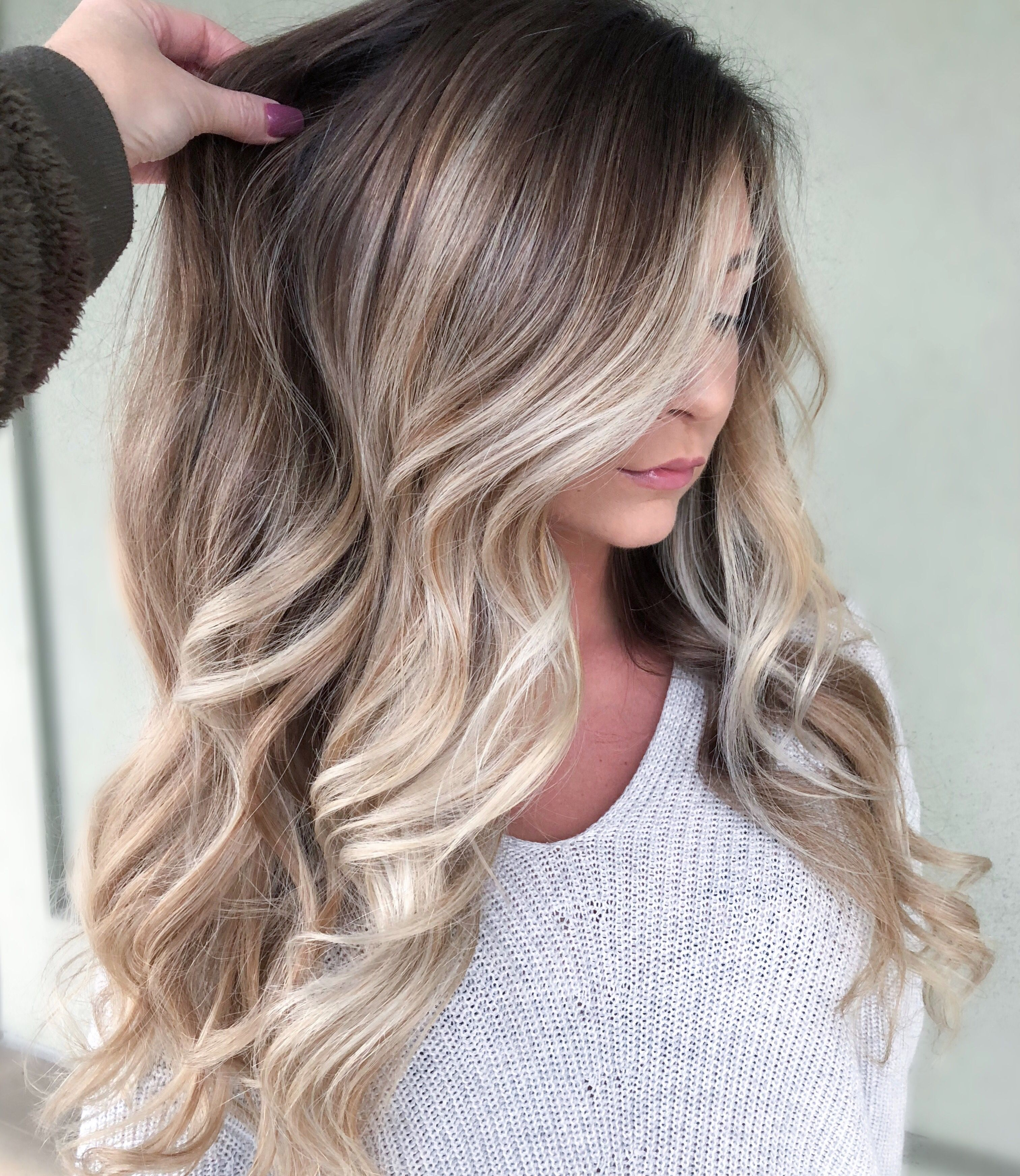 Root Melt And Wet Balayage Idee Couleur Cheveux Teinture Cheveux Couleur Cheveux