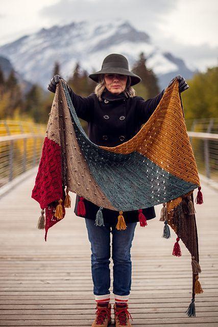 Photo of Moraine Schal Muster von AbbyeKnits – Stricken Ideen #shawlcrochetpattern Morain…