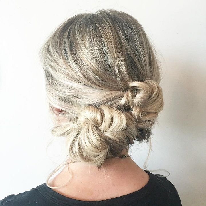 Beautiful braid updo wedding hairstyle #weddinghair #bridalhair #hairstyle #bohobraid #weddinghairstyle #knottedbraid #updos #upohair