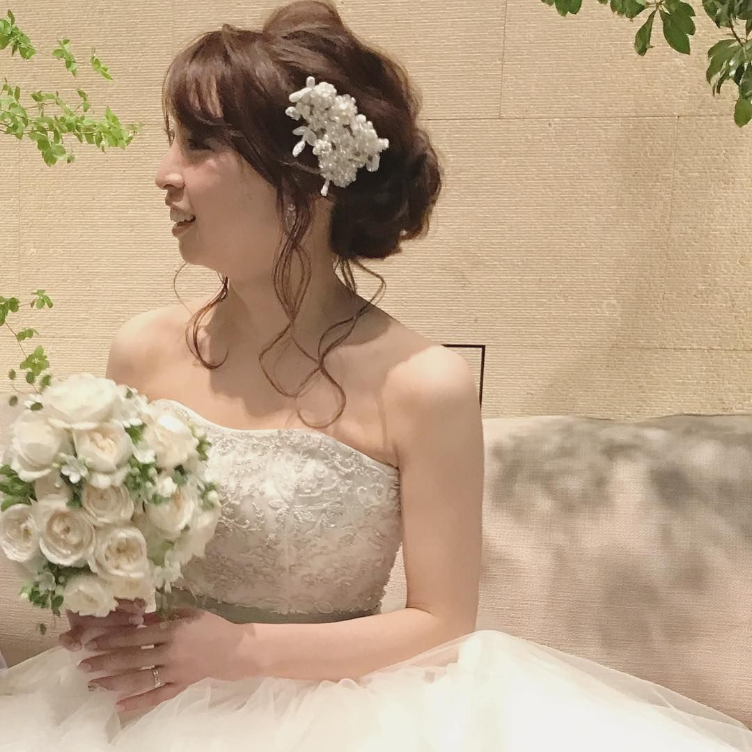 とっても小柄でお顔も小さい花嫁さまは 小さめのボンネでバランスが