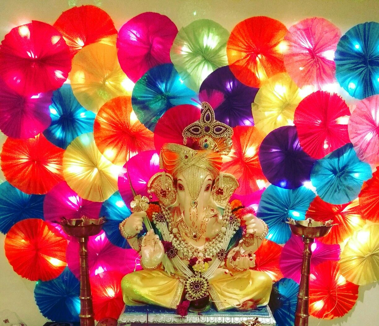 Ganpati Decor With Fairy Light Effect