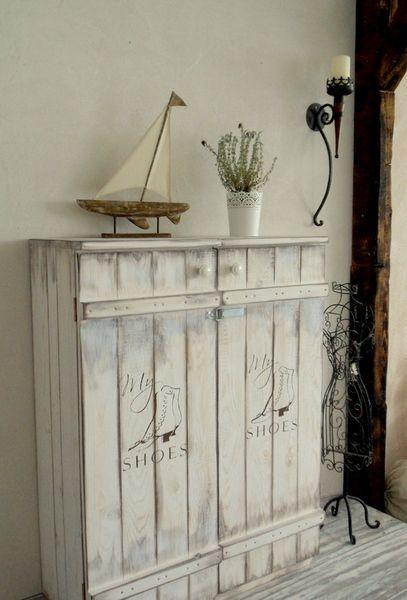 schwedischer doppel schuhschrank von atelier nr13 villa klippenscheune auf. Black Bedroom Furniture Sets. Home Design Ideas