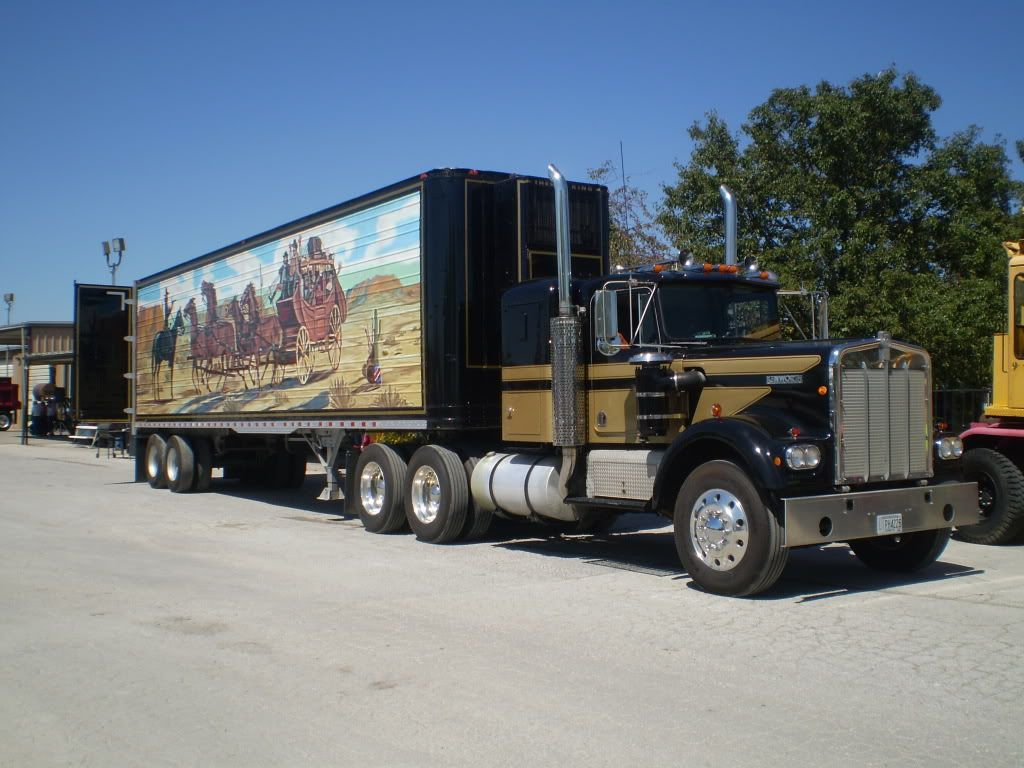 Smokey and the bandit truck mural