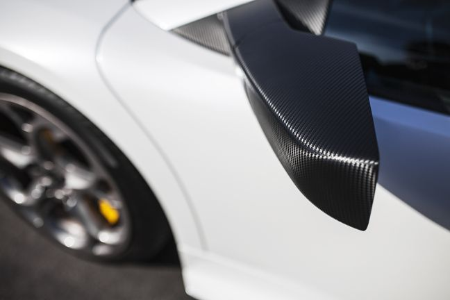 Lamborghini Murcielago Wrapped With Avery Dennison Vinyl Color Pearl White Gloss 3m 1080 Sf12 Carbon Fiber Accent Lamborghini Murcielago Car Wrap Lamborghini