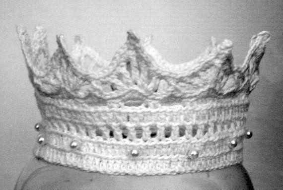 White Princess Crown , Photo Props , Women and Babies Crown , Birthday Crown , Crochet Pattern , Bridal Crown , Flower Girl Crown #crownscrocheted