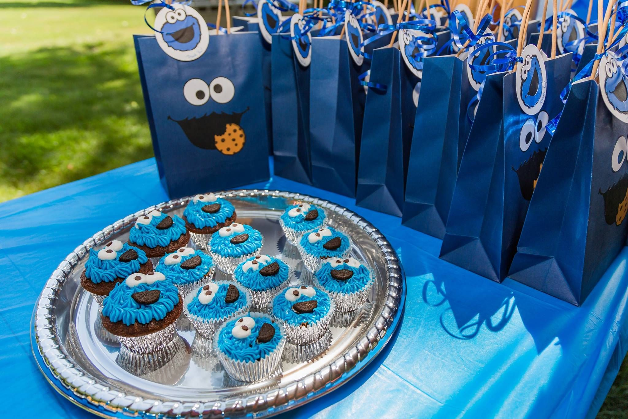 Cookie Monster Party Favor Bags Cookie Monster Birthday Party Ideas Decorations Cookie Monster Cookie Monster Party Cookie Monster Birthday Monster Cookies