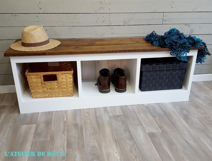 Un banc moderne fait de vieilles planches Buffet and Atelier