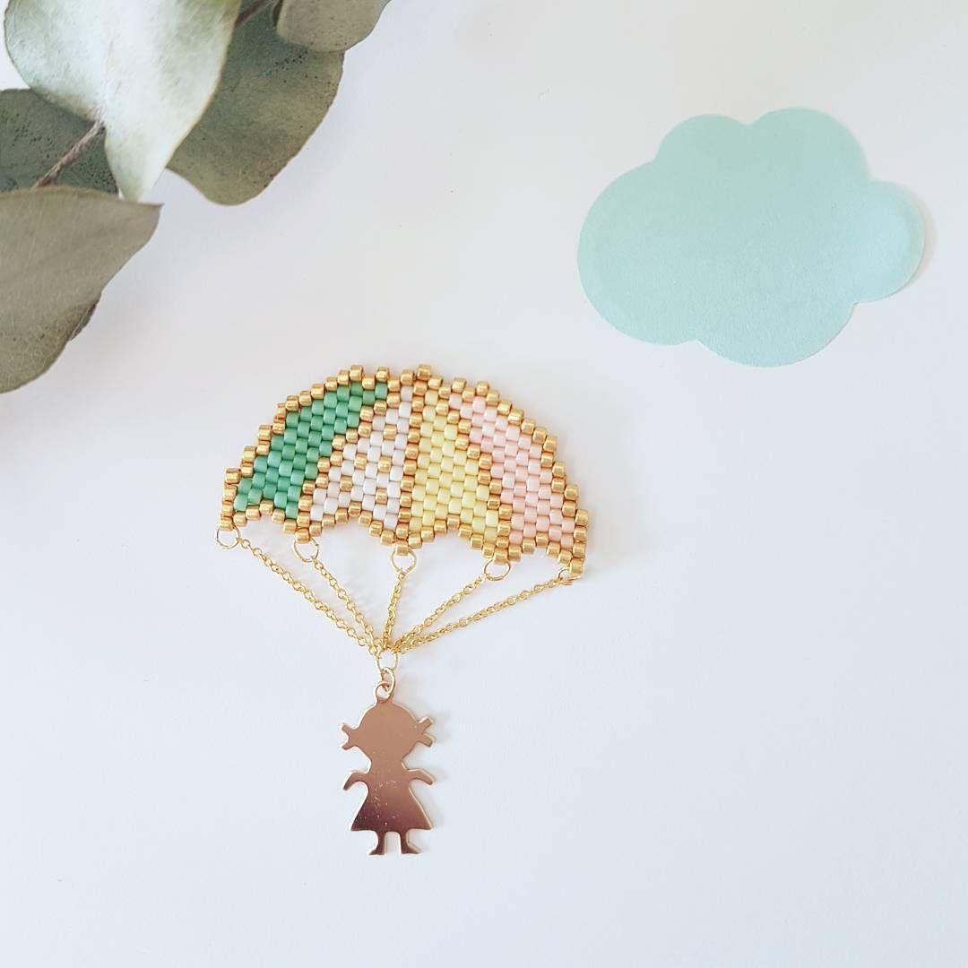 いいね!409件、コメント38件 ― Liliさん(@lili_azalee)のInstagramアカウント: 「Un petit parachute 💖  fait entre 2 préparations pour ma rentrée....je ne vais plus pouvoir perler…」