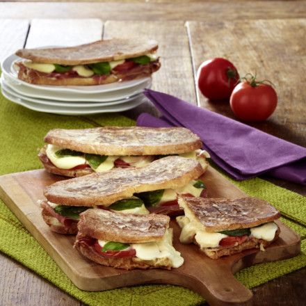 panini rezept snakes pinterest lecker sandwich rezepte und panini rezepte. Black Bedroom Furniture Sets. Home Design Ideas