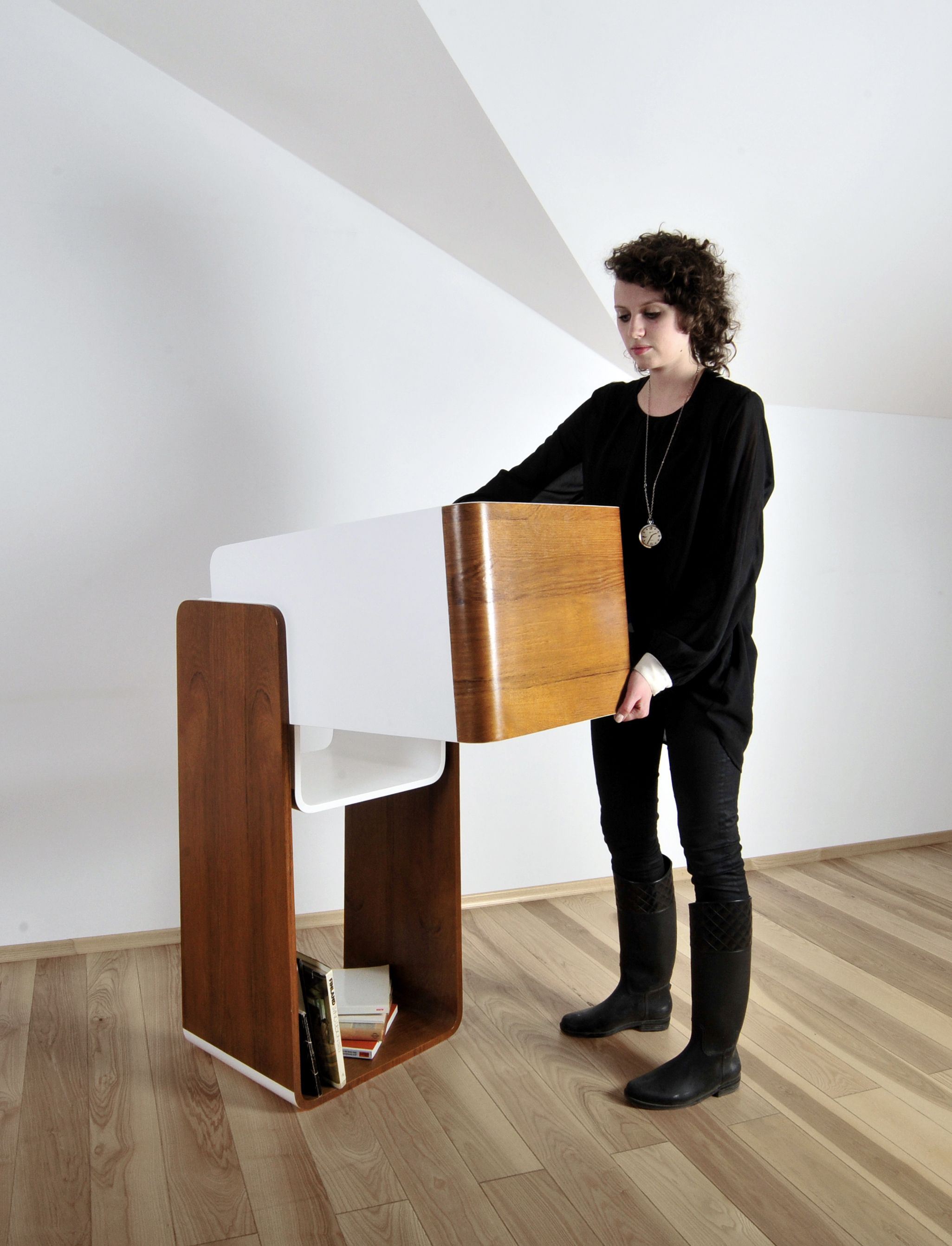 Aino by Anna Sanetra 2 in 1 bookstand and coffee table