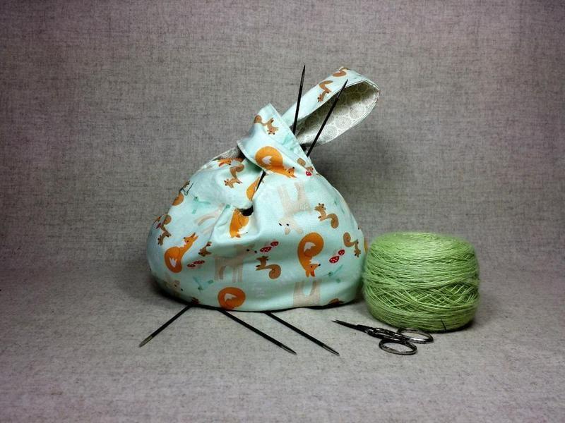 Kleine Stricktasche Waldtiere, Knotentasche orange von frostpfoetchen auf DaWanda.com