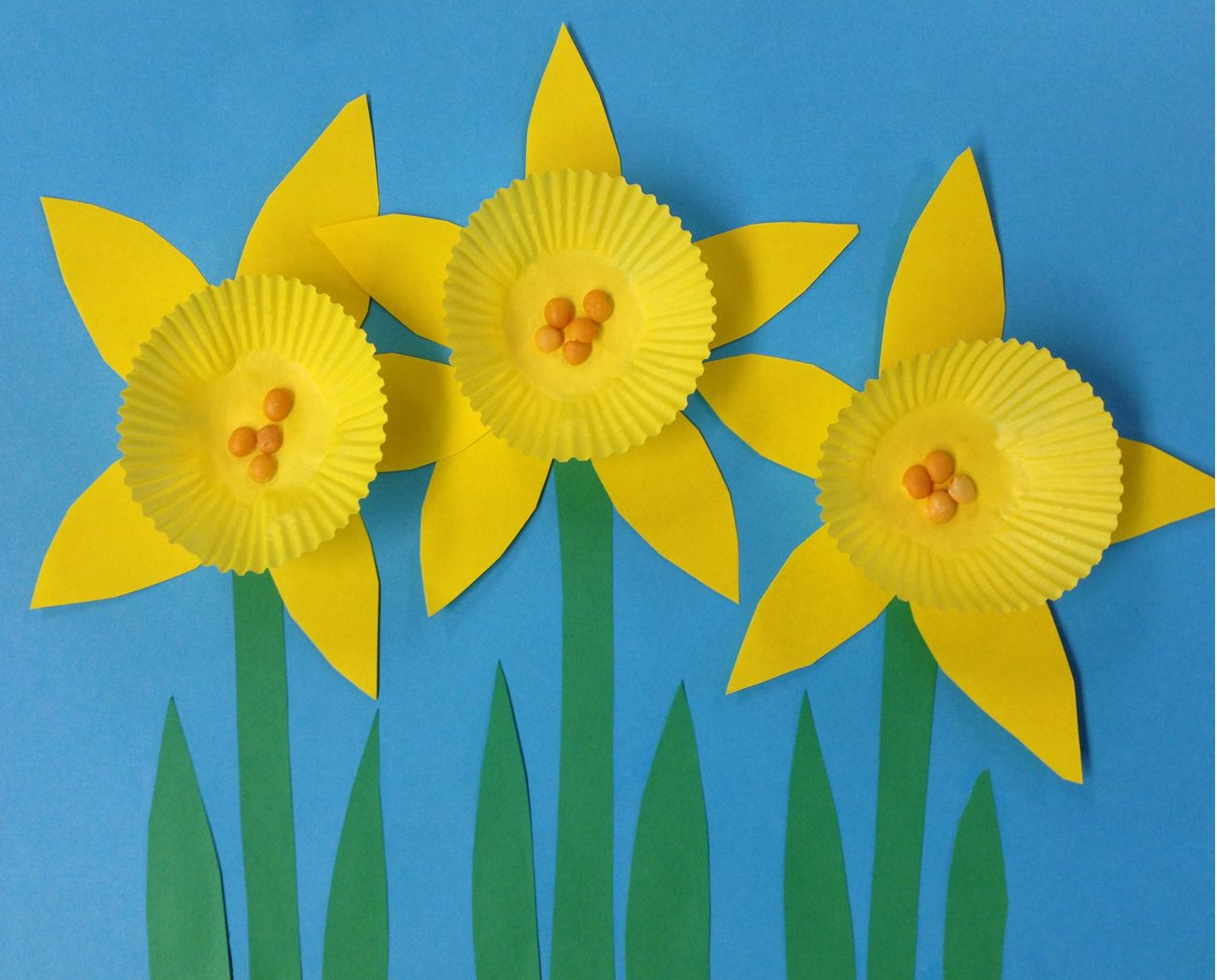 Art Projects For Kids Mini Cupcake Daffodils Spring Art Projects Daffodil Craft Kids School Art Projects