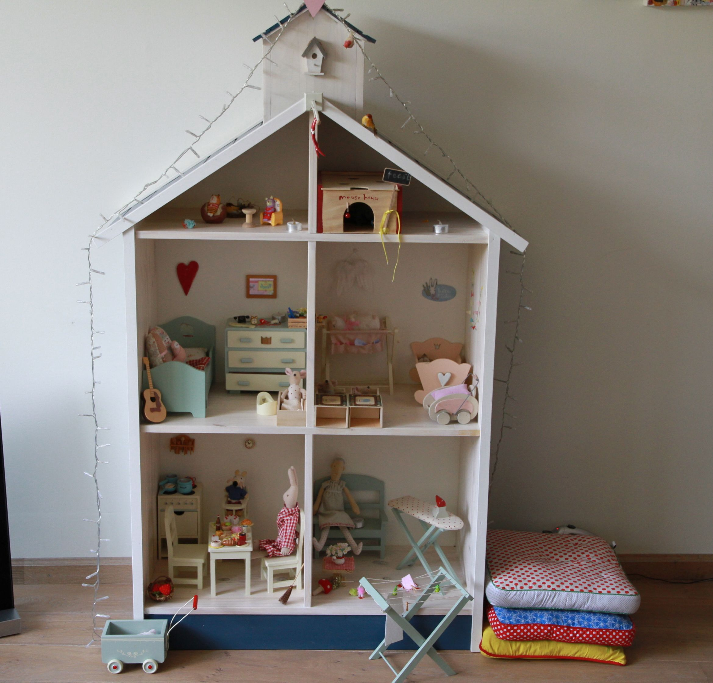 Puppenhaus puppenhaus puppen puppenstube und haus - Puppenhaus basteln ...