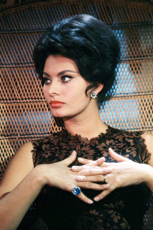 "Sophia Loren 1965 (HarpersBazaar 2016-10-19 ""Reliving the Italian icon's most glamorous looks"") 46/48"