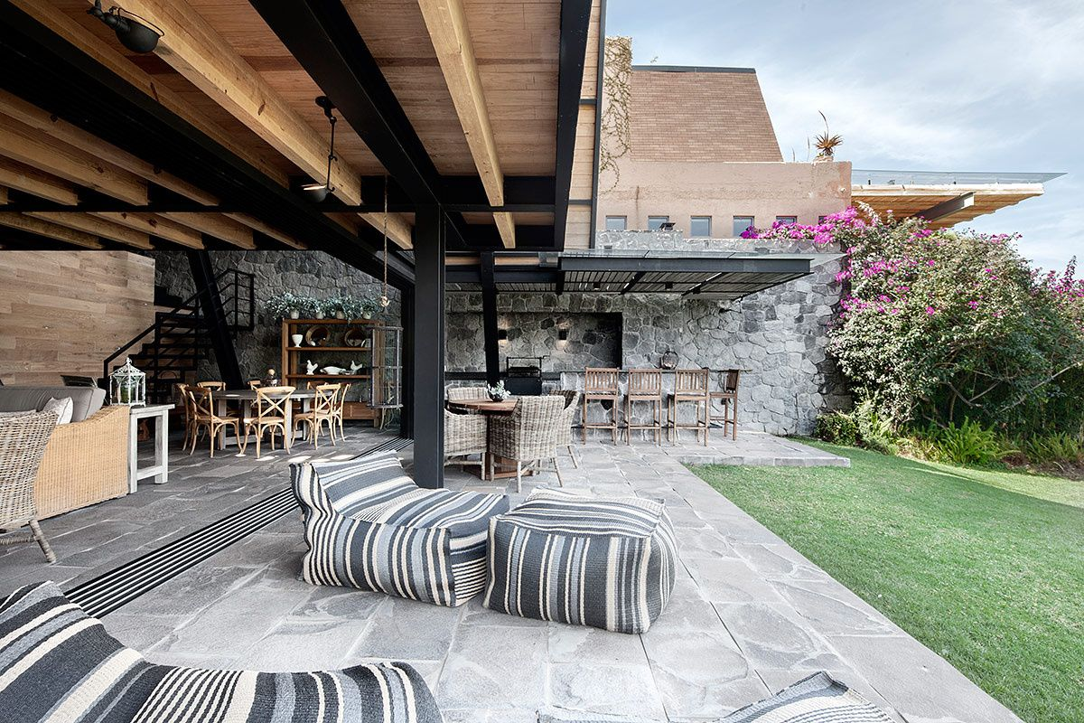 Casa En Valle De Bravo Por M Todo La Geometria El Paisaje Y  # Muebles Valle De Bravo