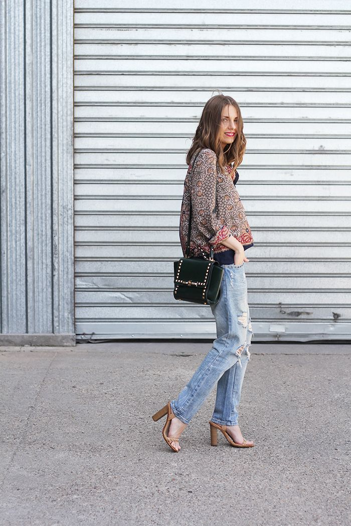 Vanja Milicevic Fashion and style Zara jeans and sandals Oasap bag Sheinside shirt  #streetstyle