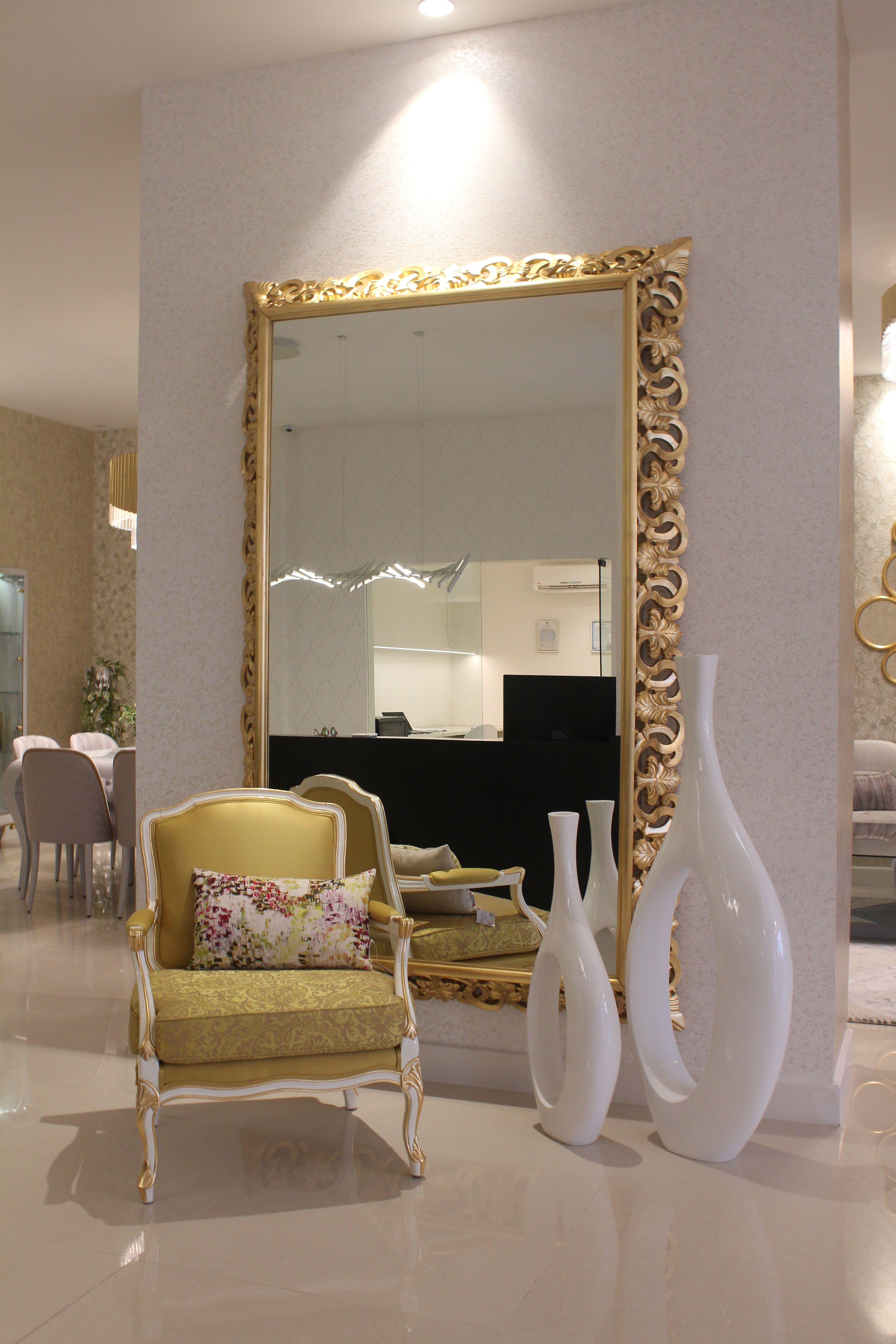 A Moldura Do Espelho Capri Transforma O Numa Das Cria Es Mais  # Muebles Jetclass