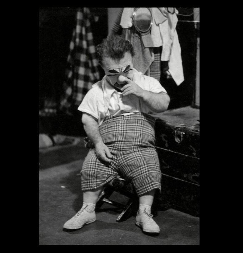 4x6 Glossy Photo Amazing Bizarre Photograph Vintage Clown Clown Circus Clown