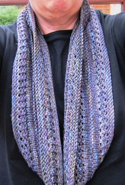 Free Pattern A Grey Loop By Helen G Free Pattern About 400 Yards