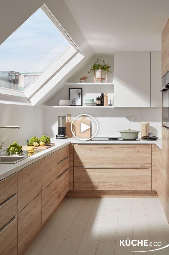 Cuisine Moderne Dans Maison En Pierre: Cuisine Design Dans Le Grenier De Cuisine En Chêne San