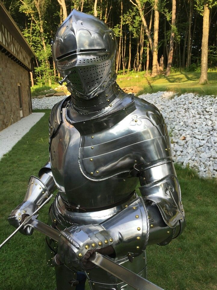 бесплатно доспехи средневекового рыцаря фото можно реализовать