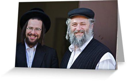 Shalom (שָׁלוֹם) . Shalom Aleichem ! : שלום־עליכם sholem aleykhem !Harcikn Dank ! A dank ojch zejer!