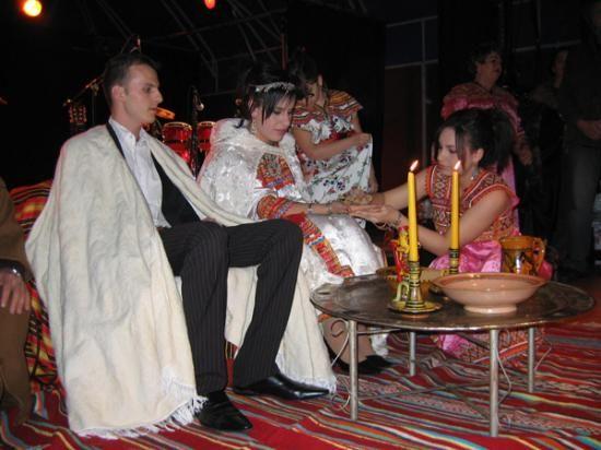Épinglé par Sabrina AMRIOUNE sur Wedding Kabyle