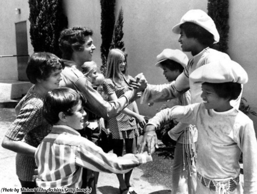 """Lost In History on Twitter: """"The Brady Bunch meet the Jacksons, 1971. https://t.co/hGAmWBQ5So"""""""